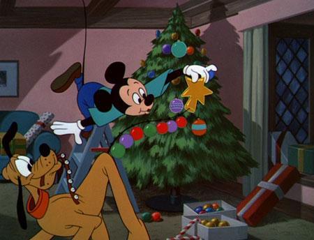 17-Plutos-Christmas-Tree